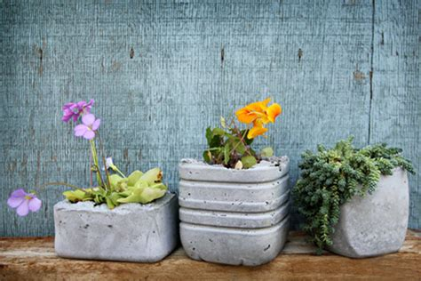 Make Your Own Planters And Pots by Make Your Own Concrete Planters Home Design Garden