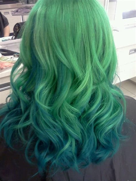 ombre with pravana vivids green to deep aqua ombre bottom layer is straight pravana