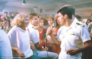 Top Gun Song Bar by Tom Cruise Says He S Much A Daily Mail