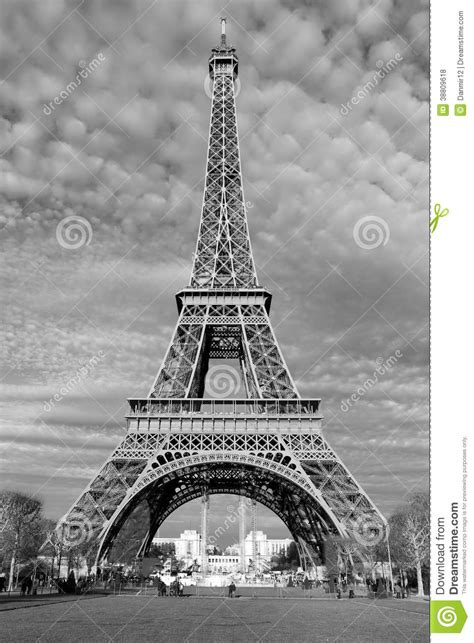 imagenes a blanco y negro de la torre eiffel calles de par 237 s en blanco y negro torre eiffel foto de