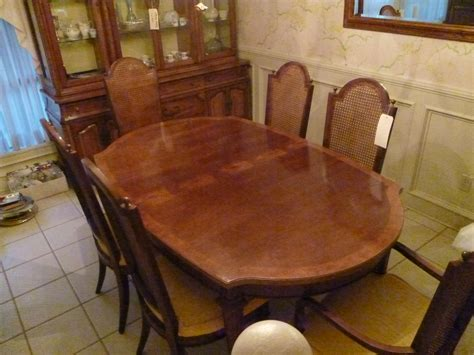 Thomasville Dining Room Set welcome to carmela s estate sale carmela s estate sale