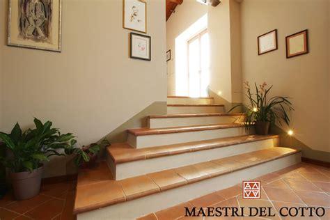 scale in cotto per interni gradini in cotto per scale interne cotto fatto a mano e