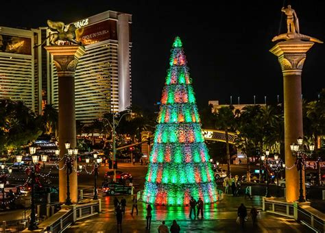 Wonderful Bellagio Las Vegas Christmas #2: Las-vegas-christmas-lights.jpg