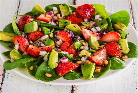 imagenes ensaladas verdes transdoc ensalada de espinaca con fresa y aguacate