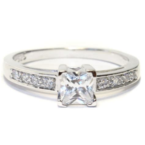 why choose cubic zirconia beautiful promise rings