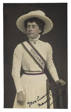 the suffragette look: 1908 by women's social and political