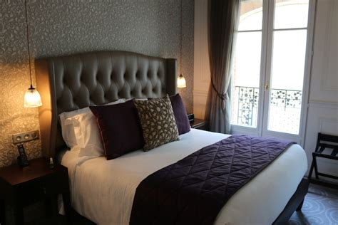 paris bedroom suite a guide to choosing the right travel accommodation 1
