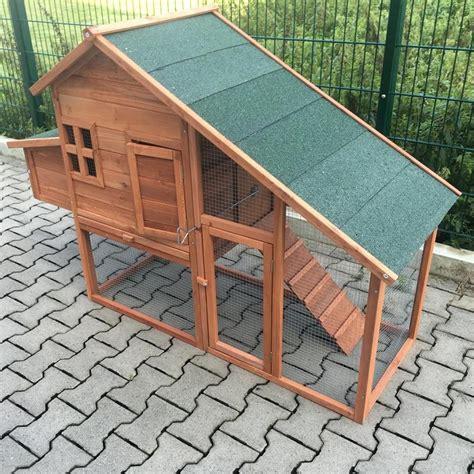 galline in giardino pollaio in legno da giardino per galline modello genova