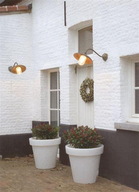 Briques Peintes En Blanc by Maison En Briques Peinte En Blanc Sous Bassement Gris