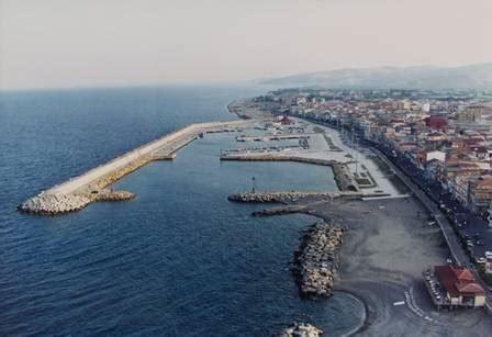 porto di crotone al porto di crotone un nuovo terminal crociere