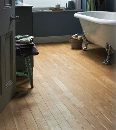Bathroom Vinyl Flooring Ideas 20 Best Bathroom Flooring Ideas Flooring Ideas Small Bathroom And Plank