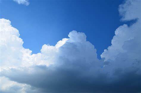 earth atmosphere blue bright clouds wallpaper wallpaper sunlight sky clouds blue horizon cloud