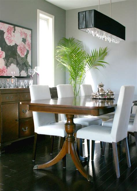 antique dining table modern chairs 17 best ideas about antique dining rooms on