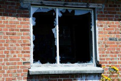 broken house window replacement house window repair residential window repair and replacement phoenix az your calgary
