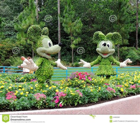 mickey mouse outdoor l mickey and minnie mouse topiaries editorial photo image