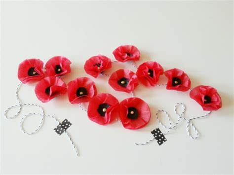 Make A Paper Poppy - paper poppies by becolorand project papercraft