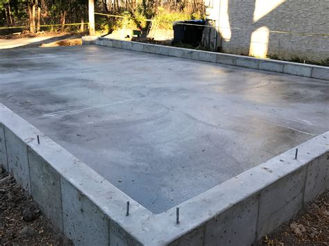 pouring a garage foundation