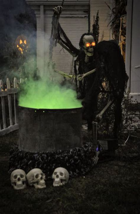 eerie decorations best 25 scary outdoor decorations ideas on