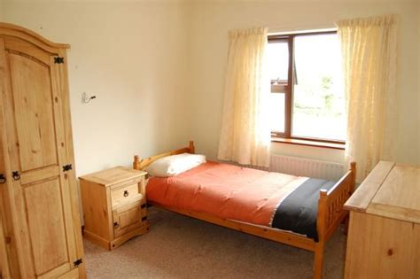 schlafzimmer single bonnyglen house inver self catering cottage in donegal