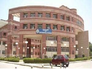 Delhi School Of Economics Mba Admission by Du Plans To Merge 3 Ug Business Courses Into One Careerindia