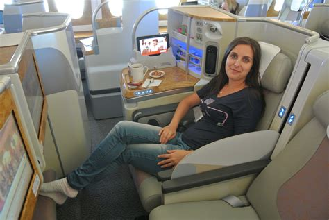 emirates jakarta new york a new york in business class con l a380 di emirates