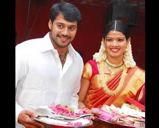 amrutha suresh and bala engagement1