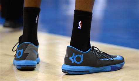 imagenes de tenis nike kevin durant kevin durant staying with nike turns down under armour s