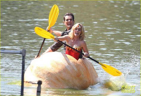 lake boat episode modern family julie bowen dresses as wonder woman paddles in bread