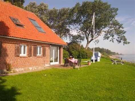 ferienhaus mit eingezäuntem garten ferienhaus das haus am meer gr 246 mitz schleswig holstein