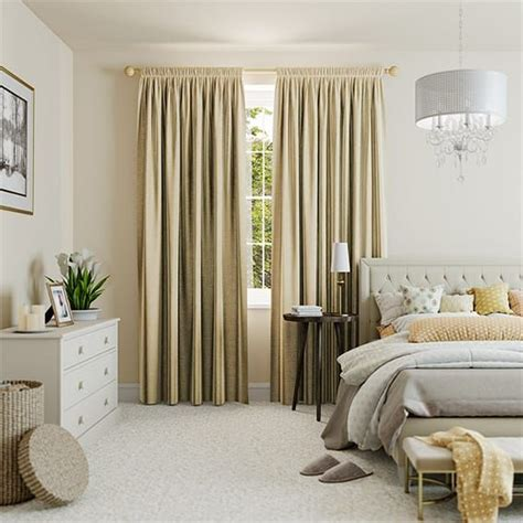 gold bedroom curtains 1000 ideas about gold curtains on pinterest couch