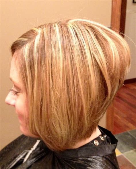 classic blond hair photos with low lights short razor cut with blonde lowlights and highlights