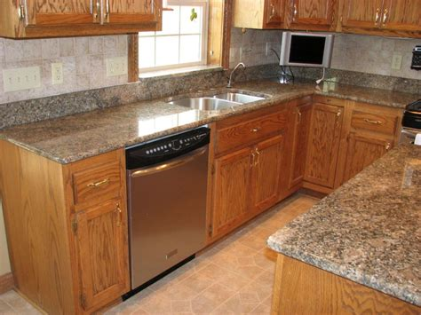 Countertops For Oak Cabinets by Fabulous Oak Cabinets With Granite Countertops And Color
