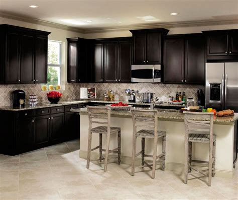 Sarsaparilla Color Cabinets by Sarsaparilla Cabinets In Casual Kitchen Aristokraft
