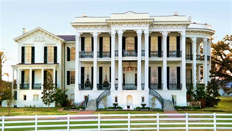 the white ballroom in the nottoway plantation mansion on front of the nottoway plantation mansion houses pinterest