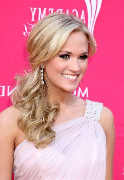 Goes To The Side by Best Side Ponytail Formal Prom Hairstyles Ideas For Curly