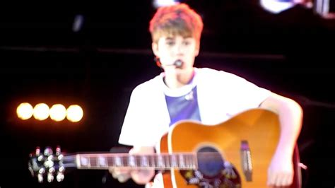 justin bieber favorite girl acoustic mp3 justin bieber favorite girl live