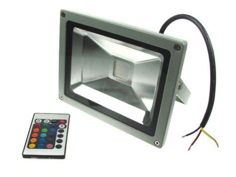 Power Lifier Megavox halogen led 20w rgb smd reflektor 16 kolor 211 w terabit pl