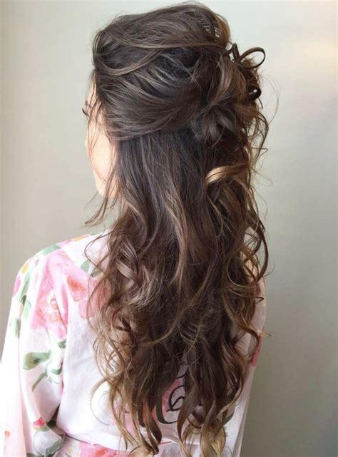 halboffene frisuren hochsteckfrisuren der klassisch weibliche look feiert