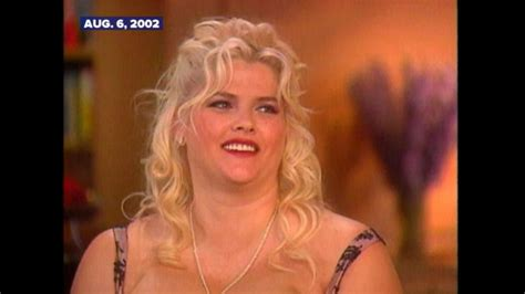 nicole s watch archival video anna nicole smith talks about her