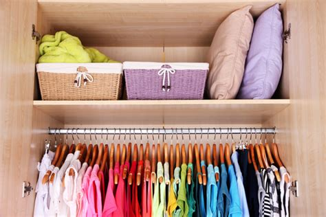 Arranging Clothes In Wardrobe by How To Arrange A Wardrobe With Many Clothes