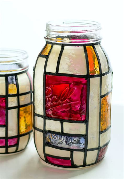 Painting Glass Jars by Best 25 Glass Paint Ideas On Diy Wine Glasses