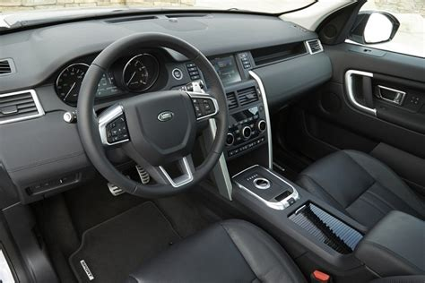 2016 land rover discovery interior 5 fast facts 2016 land rover discovery sport
