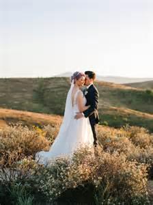 www wedding relaxed backyard wedding heidi joshua green wedding shoes weddings fashion