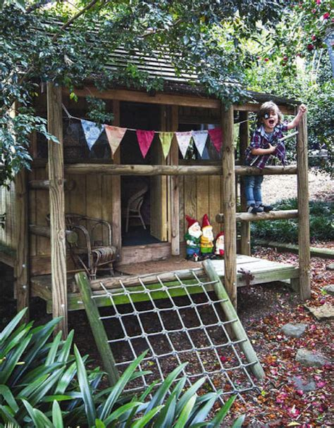 this cubby house made from recycled crates by