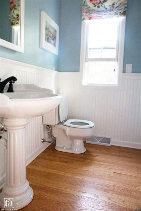 9 ways to make a small bathroom look bigger diy decor