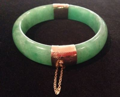 Green Jadeite Jade 898 jade hinged bangle with 14ct yellow gold gorgeous gems