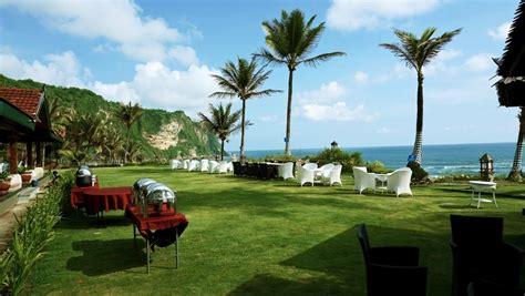 review queen   south resort hotel romantis  tepi