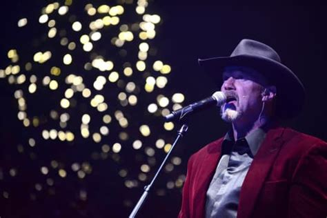 L Lo Checks Into Rehab by Trace Adkins Fights Trace Adkins Impersonator Checks Into