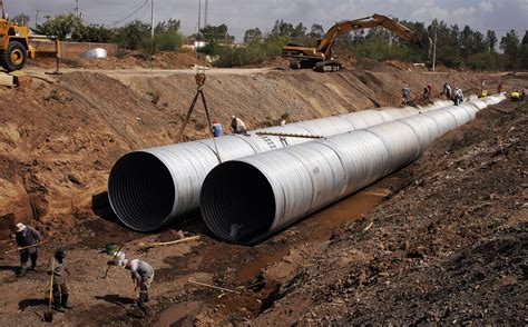 Pipe Installation File Large Diameter Pipe Installation Jpg Wikimedia Commons