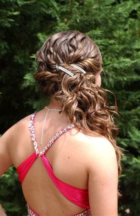 prom hairstyles side curls katie harivel s prom hair prom pinterest
